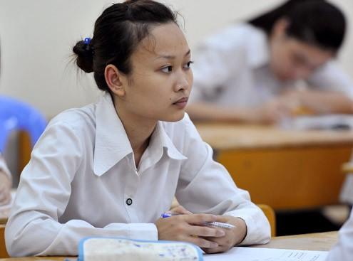 Thí sinh thi tốt nghiệp trong kỳ thi năm 2010. Ảnh: Hoàng Hà.