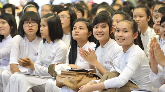 Học sinh tham gia chương trình tư vấn tuyển sinh hướng nghiệp 2013 do Tuổi Trẻ tổ chức - Ảnh: Minh Đức