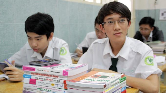 Một buổi ôn thi tốt nghiệp thpt 2013 môn toán của học sinh lớp 12A1 Trường THPT dân lập Thái Bình (Q.Tân Bình, TP.HCM) - Ảnh: NHƯ HÙNG<