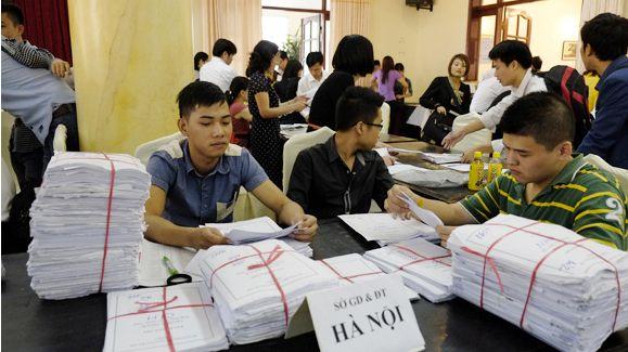 Giảm mạnh số lượng hồ sơ đăng ký dự thi Đại học - Cao đẳng 2013