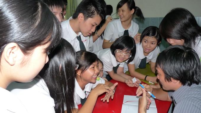 Tiết học kỹ năng sống của học sinh Trường THPT tư thục Thái Bình, TP.HCM. Điều kiện vào học lớp 10 trường này là học lực khá, hạnh kiểm tốt - Ảnh: H.HG.
