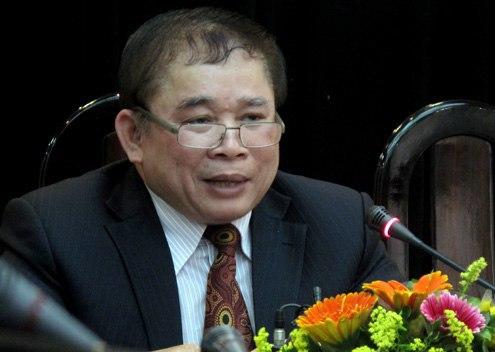 Thứ trưởng Bùi Văn Ga cho biết đề thi đại học chủ yếu vào kiến thức lớp 12. Ảnh: Hoàng Thùy.