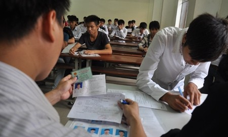 Gần 630.000 thí sinh dự thi môn Toán khối A và A1 năm 2013