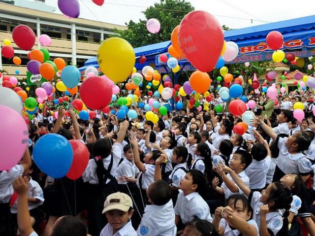 Học sinh trường tiểu học Hồng Hà, Q. Bình Thạnh, TP.HCM trong lễ khai giảng năm học mới 2012