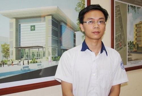 Thủ khoa khối C kỳ tuyển sinh năm 2012 của Trường ĐHSP Hà Nội Nguyễn Thế Hưng - Ảnh: NN
