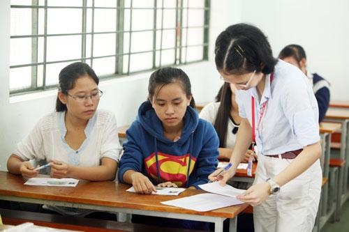 Tuyển sinh 2014: Không bỏ điểm sàn kỳ thi ba chung